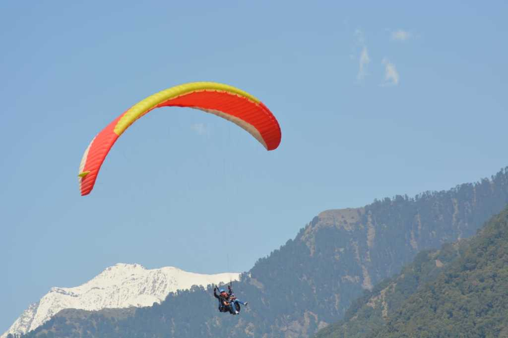 Mountain view with paragliding in BirBilling