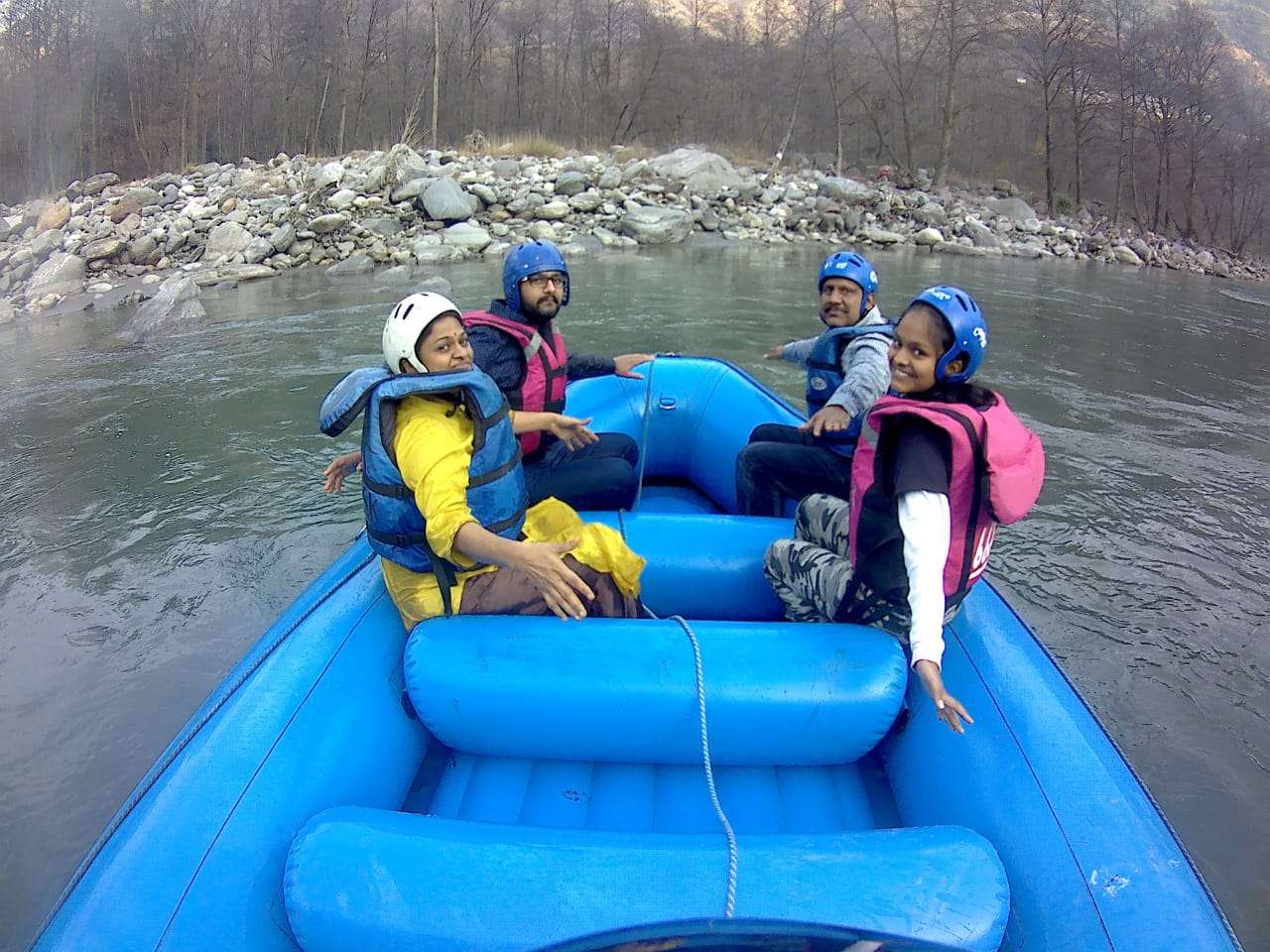 rafting in manali